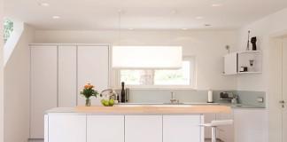 Küche: Küchentrend Holz (Foto: FingerHaus)