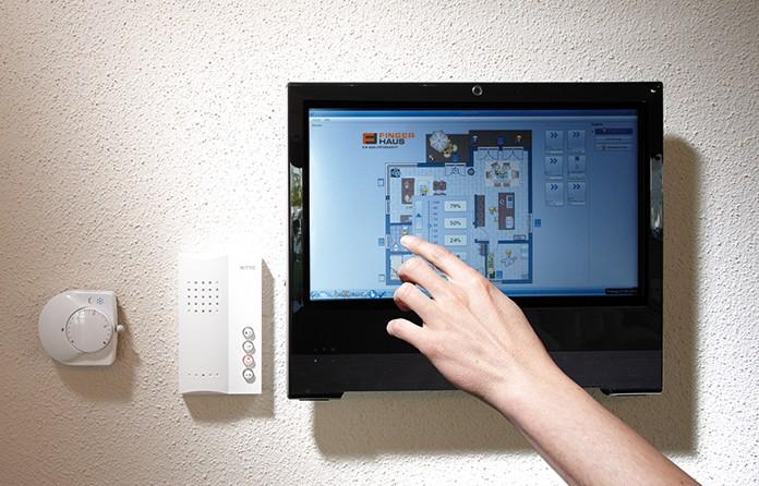 Ein Smart Home erhöht die Energieeffizienz, die Einbruchsicherheit und den Wohnkomfort. (Foto: FingerHaus)