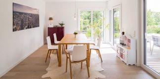 Ein Parkettboden sieht nicht nur gut aus, sondern erhöht auch den Wert der Immobilie.