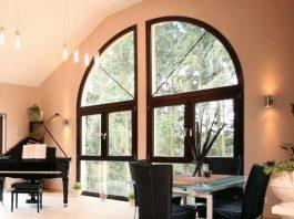 Außergewöhnliche Fensterform. (Foto: FingerHaus)