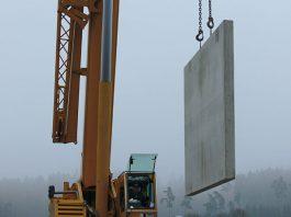 Dank industrieller Fertigung der Kellerbauteile ist der Kelleraufbau in wenigen Arbeitsstunden abgeschlossen. (Foto: FingerHaus)