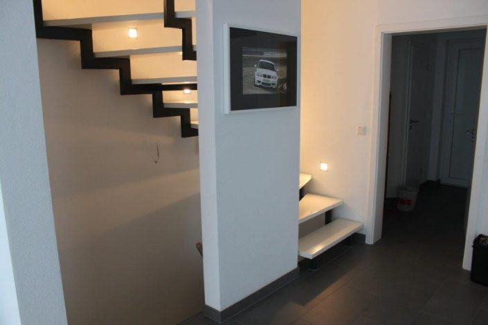 Treppenlieferant für Bauträger - Zweiholmtreppe ohne Geländer