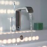 Stadtvilla BRAVUR 400: Wasserhahn im Badezimmer