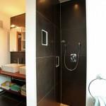 Stadtvilla BRAVUR 130: Badezimmer mit Dusche