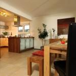 Effizienzhaus VIO 200: Küche mit Esszimmer