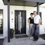 Bauherrenppar Ohloff sind stolz auf ihr Eigenheim