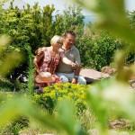 Eheleute Meyer im Garten