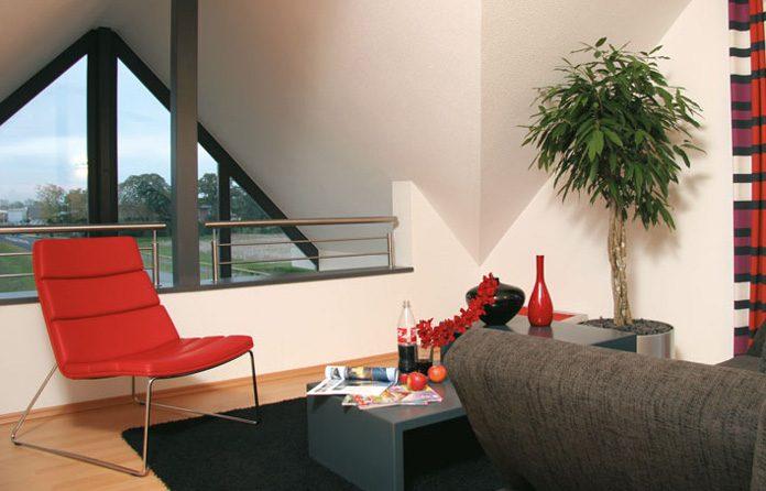 Großes Fenster in der Dachgaube für eine exklusive Aussicht (Foto: FingerHaus)