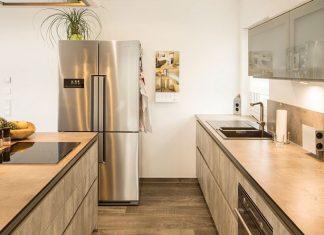 Der moderne, energieeffiziente Kühlschrank bietet unterschiedliche Kühlzonen für unterschiedliche Lebensmittel und Getränke. (Foto: FingerHaus)