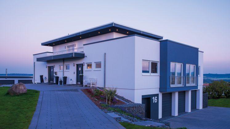 Mehrgenerationenhaus: Vorbild war ein Haus an der Algarve in Portugal. (Foto: FingerHaus)