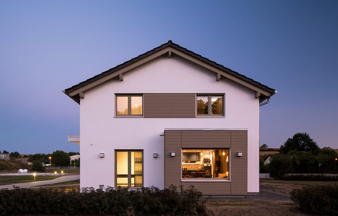 Das Musterhaus SENTO von FingerHaus in Frankenberg ist ein KfW-Effizienzhaus 40 Plus. (Foto: FingerHaus)