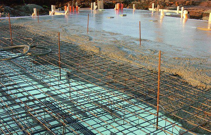 Die Bodenplatte muss ein sicheres Fundament für viele Jahrzehnte bieten. (Foto: FingerHaus)