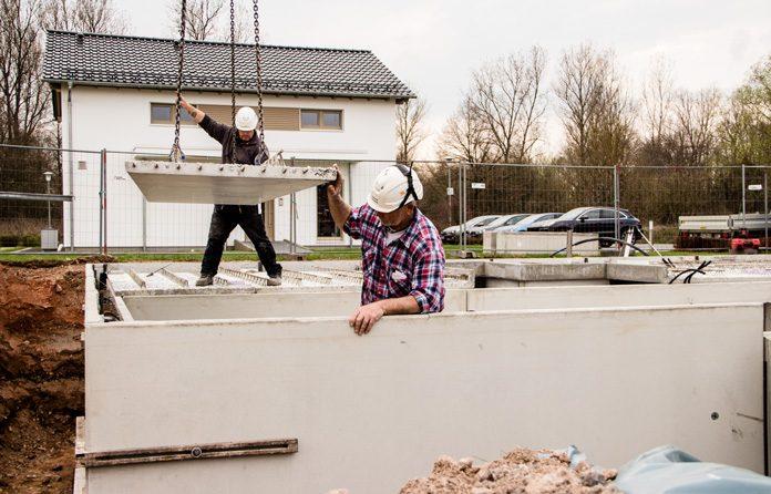 Ein Fertigkeller aus industriell hergestellten Betonelementen bietet einen deutlichen Zugewinn an Wohnqualität. (Foto: FingerHaus)